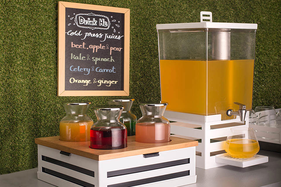 Crate Juice Station